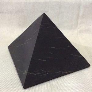 piramide shungita
